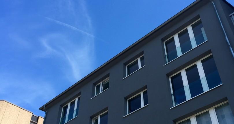 Weekend Deal: Wohn- & Geschäftshaus unweit vom Frankfurter Skyline Plaza vermittelt