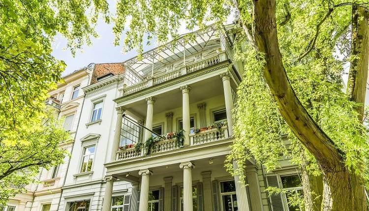 Konii.de berichtet: Paul & Partner berät Bankhaus bei Portfolio-Erwerb in Wiesbaden