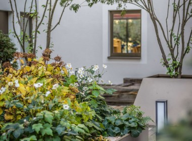 LIVE IN YOUR TOWNHOUSE! MOVE TO THE MIDDLE OF WIESBADEN! SIMPLY UNBEATABLE!
